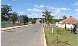 São Domingos - Avenida de entrada de São Domingos-GO-Foto:Dimas Justo