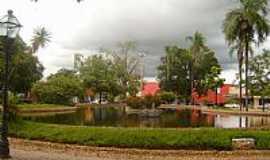 São Miguel do Araguaia - São Miguel do Araguaia-GO-Lago na Praça Ovídio Martins-Foto:Virley Silva GMM