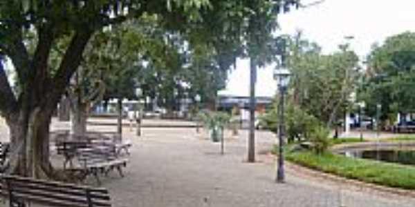 São Miguel do Araguaia-GO-Praça Ovídio Martins-Foto:Virley Silva GMM