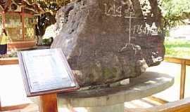 Itacoatiara - Itacoatiara-AM-Monumento da Pedra Pindada-Foto:Frank Chaves