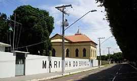 Itacoatiara - Itacoatiara-AM-Pr�dio da Marinha do Brasil e ao fundo a Catedral-Foto:Frank Chaves