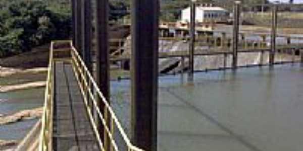 Passarela sobre o rio-Foto:Juliermesgme78