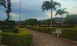 Taquaral de Goiás - Praça-Foto: jc_trin