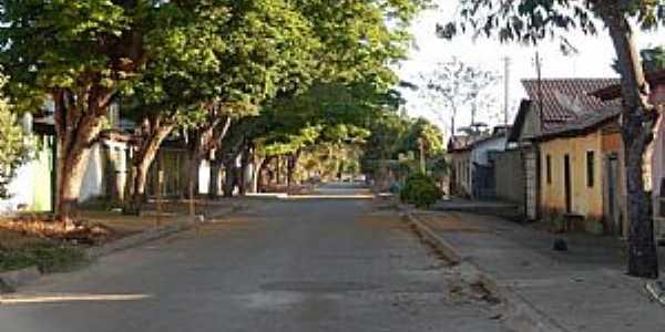 Taveira-GO-Rua central-Foto:Facebook