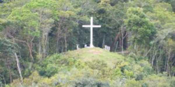Santuario, Por Jone Uchoa
