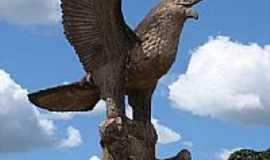 Urua�u - Monumento em Urua�u por dioceliofreitas