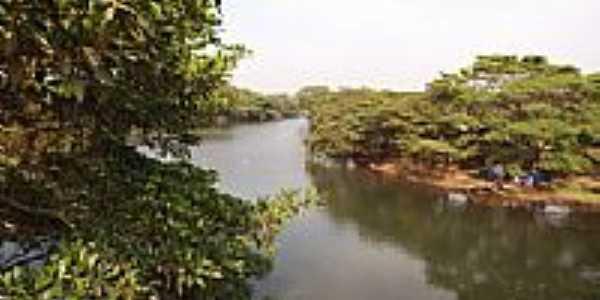 Rio Uru em Uruana-Foto:wender marques