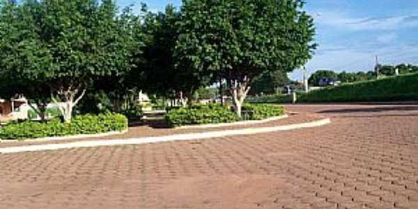Açailândia-MA-Praça do Pedreiro-Foto:Nando Cunha