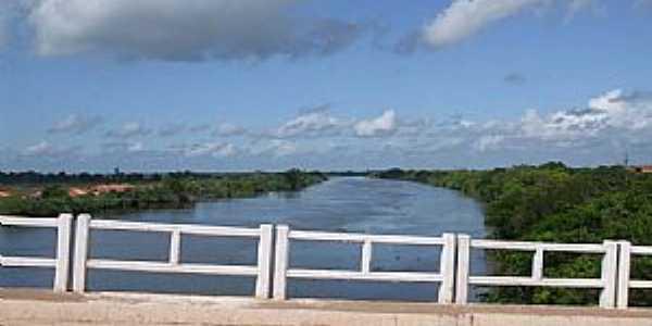 Ararí-MA-Ponte sobre o Rio Mearim-Foto:WLuiz