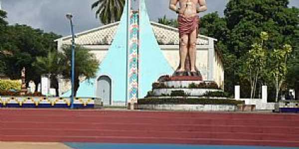 Bacuri-MA-Praça São Sebastião com estátua do santo-Foto:Edilson Jr