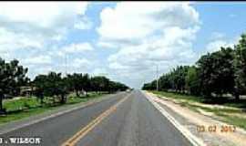 Bela Vista do Maranhão - Rodovia BR-316 passando por Bela Vista do Maranhão-MA-Foto:J.WILSON