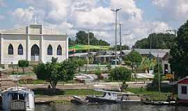 Manaquiri - Manaquiri-AM-O Porto e a Igreja Matriz-Foto:Silvestre dos Santos lima