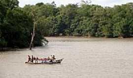 C�ndido Mendes - Travessia do rio em C�ndido Mendes-MA-Foto:Maur�cio Leonardi