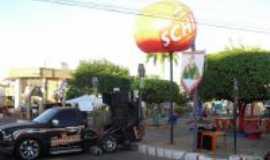 Dom Pedro - Pra�a da Prefeitura preparada para as Festas Juninas, Por Miguel