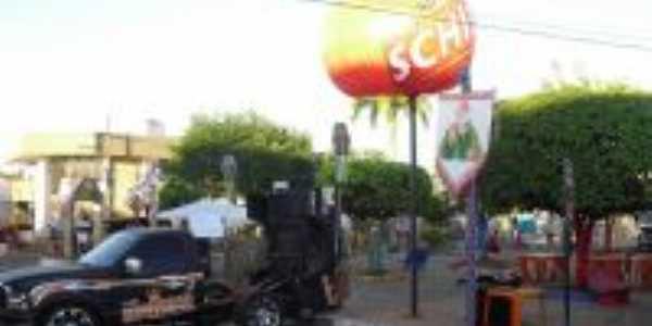 Praça da Prefeitura preparada para as Festas Juninas, Por Miguel