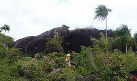 Estandarte - Estandarte-MA-As pedras grandes da ilha-Foto:Iolanda Miranda