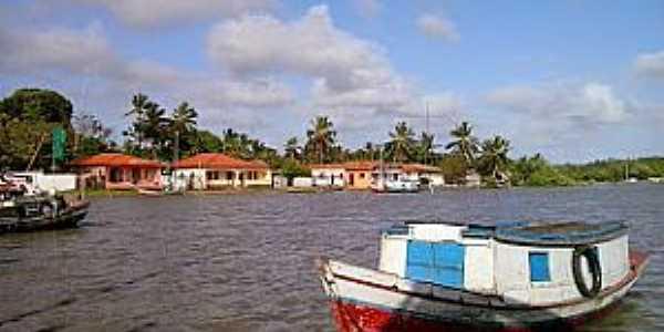 Estandarte-MA-Barcos às margens do povoado-Foto:Iolanda Miranda