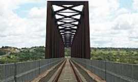 Estreito - Estreito-MA-Ponte Ferrovi�ria que liga Aguiarn�polis-TO � Estreito-MA-Foto:Nando Cunha