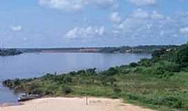 Estreito - Rio Tocantins e ao fundo constru��o da Hidrel�trica de Estreito-MA-Foto:Nando Cunha