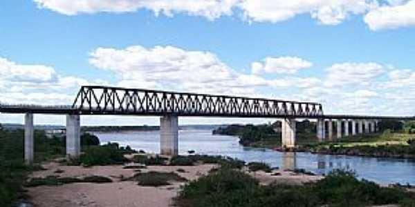 Estreito-MA-Ferrovia Norte-Sul,Ponte sobre o rio Tocantins-Foto:Nando Cunha