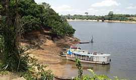 Mocambo - Mocambo-AM-Barcos ancorados no Lago do Mocambo-Foto:Bruno Rocha