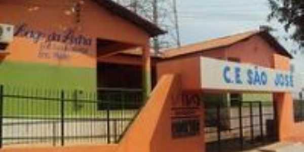 Centro de Ensino São José, Por Marcos Morais