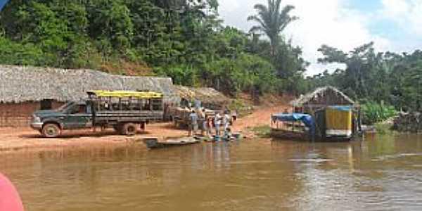 Maraj� do Sena-MA-O rio e o Povoado-Foto:Jos� Pires
