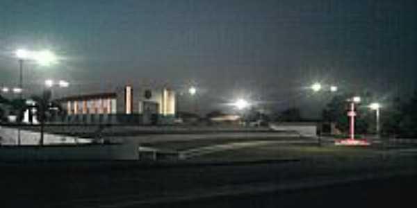 Mat�es-MA-Vista noturna da Igreja do Divino-Foto:givagoferro
