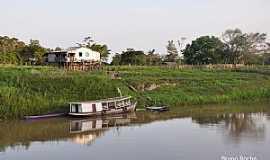 Nhamundá - Nhamundá-AM-Casas ribeirinhas na Comunidade Terra Santa-Foto:Bruno Rocha