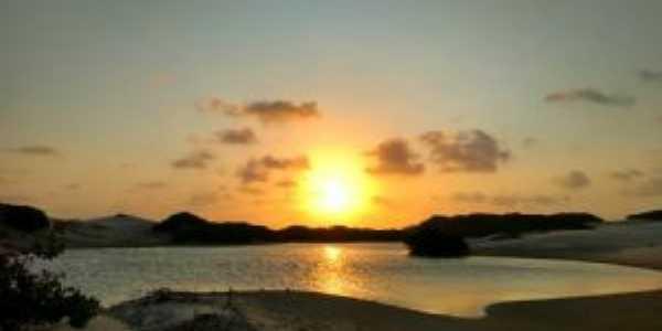 Pô do Sol nas dunas de Paulino Neves Maranhão, Por Claudio