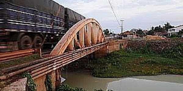 Peritoró-MA-Ponte sobre o Rio Peritoró-Foto:naturezabrasileira.com.br