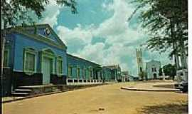 Presidente Dutra - O Colégio e a Igreja na Praça São Sebastião em Presidente Dutra-MA-Foto:fguedes