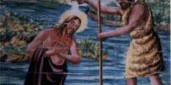 Pintura em cerâmica simbolizando o batísmo de Cristo O redentor, na Igreja matriz em São Félix de Balsas, MA. , Por Arão Martins Silva