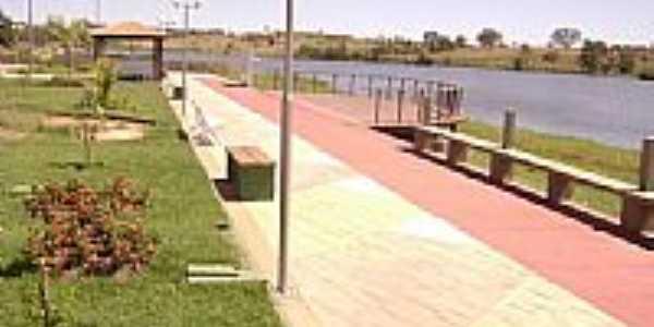 Praça em Sitio Novo por Hiel Mota