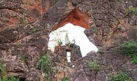 Tasso Fragoso - Tasso Fragoso-MA-Gruta de N.Sra.de Fátima no Morro do Elefante-Foto:Dhiancarlos Pacheco
