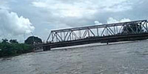 Ponte sobre o Rio Meatim-Foto:rafaelnsousa