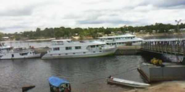 Porto de Santa Isabel do Rio Negro/alta temporada de turismo, Por Dario B. Santos
