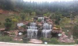 Abre Campo - Cachoeira Memorial Cotoxés - Abre Campo-MG, Por LUCIANE SALGADO LIMA