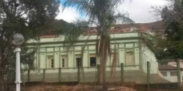 Grupo Escolar Dom João Bosco - Abre Campo MG, Por LUCIANE SALGADO LIMA