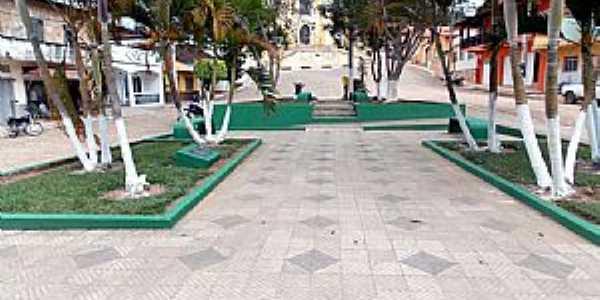 Abreus-MG-Praça da Matriz-Foto:www.altoriodoce.mg.gov.br