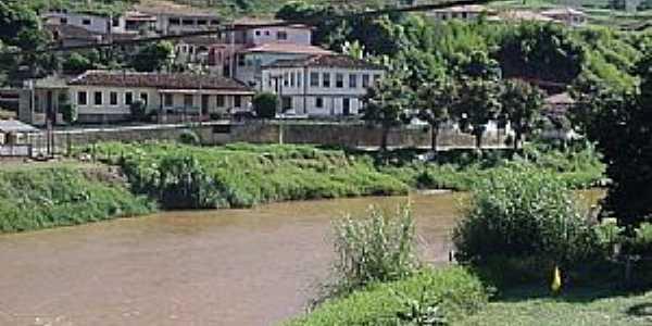 Acaiaca-MG-Rio do Carmo e a cidade-Foto:www.asminasgerais.