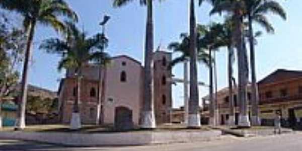Pra�a Padre Rabelo Alvim e Igreja Matriz de S�o Gon�alo-Foto:Geraldo Salom�o