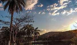 Acuruí - Acuruí-MG-Entardecer no lago-Foto:claudiusfotos