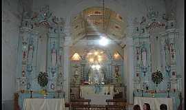 Acuruí - Acuruí-MG-Interior da Igreja-Foto:De Brito