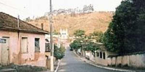 Rua em São Pedro dos Ferros-Foto:montanha