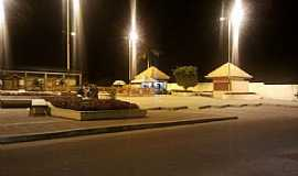 Santo Antônio do Içá - Santo Antônio do Iça-AM-Vista noturna da Praça da Matriz-Foto:Armando Gurgel