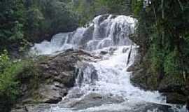 Aiuruoca - Cachoeira em Aiuruoca-Foto:Fernando2a