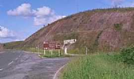 Aiuruoca - Trevo de acesso de Aiuruoca-Foto:gabrielcoelho