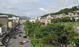 Além Paraíba - Rua Marechal Floriano em Além Paraíba-Foto:Gilberto de Souza