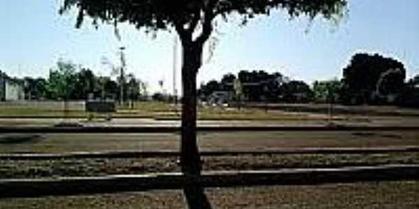 Praça-Foto:nossasviagenspelobrasil.